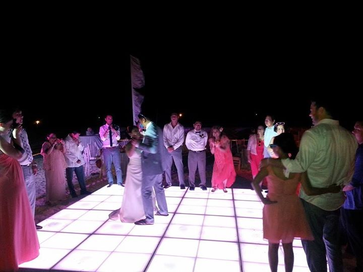 Larger Dance Floor 01 (3)
